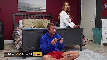 Sexy MILF (Jeanie Marie Sullivan) plays with her stepsons hard cock - Brazzers
