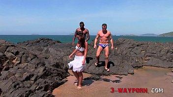 3-Way Porn - Neapolitan 3Some Sex On The Beach