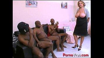 Cougar en GB black ! Squirt nichons enos !!! French amateur