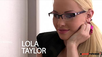 Nympho Secretary Lola Taylor Double Penetrated In Office