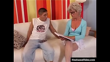 Just Because Sh e's Old, That Doesn' hat Doesn't Mean That This Granny Doesn't Want To Fuck