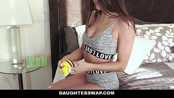 DaughterSwap - Cute Teen Cam Girl (Adria Rae) Fucked By Bffs (Cara Stone) Dad 12分钟