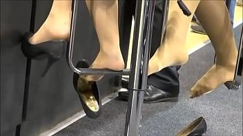 thumb shoeplay