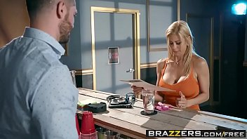 Austin boob got mommy Brazzers - mommy got boobs - the big stiff scene starring alexis fawx and mike mancini