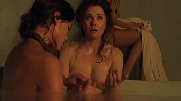 Lucy Lawless Spartacus Vengeance s2 e1 latino