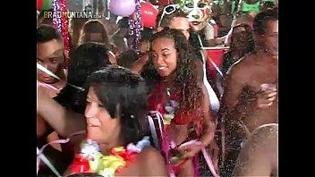 Carnaval carioca com sexo no salão