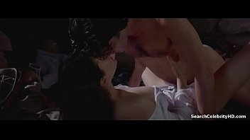 Jennifer Connelly in Love and Shadows 1994 2分钟