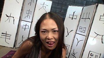 Petite Asian Masseuse Gives Happy Ending 22 min