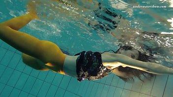 Nina Markova sexy underwater babe