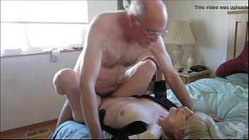 vlc-record-2016-03-26-06h37m58s-Old Couple Hooks Up Online For Sex - XNXX.COM.flv-