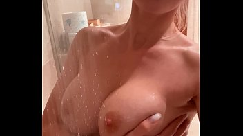 With the showerhead to mega orgasm
