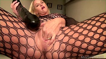 Huge milf cans - Fucking my huge toys