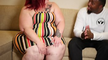 Nikki Cakes gives handjob to Poundhard