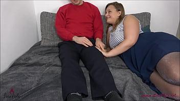 Deflorazione anale di un giovane cazzo !!!  Nerd fa sesso anale per la prima volta!