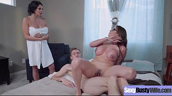 Slut Housewife (Ariella Ferrera & Missy Martinez) With Big Round Juggs Love Sex Action mov-04