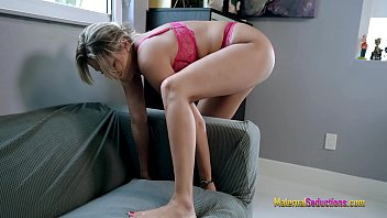 Nikki Brooks porno Hot Step Mom is Stuck porno fucking Office Couch