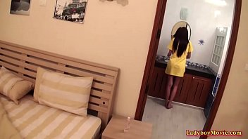 Ladyboy Bow Getting Very Horny In Morning