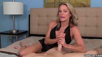 clubtug-Sexy milf POV handjob porno izle