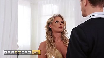 Horny milf (Phoenix Marie) jumps all over that dick - Brazzers 10 min