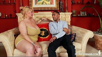 Xxx مع امرأة مسنة مارس الجنس من الصعب من قبل المستقبل