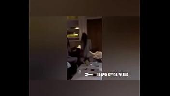 东航四男两女6P视频
