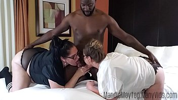 Big Dicked Texan Brings the Meat for a Thick Girl Threesome feat. Luscious Lilli. porno izle