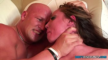 Roughfucked milf c. on enormous cock 27分钟