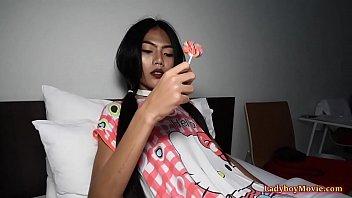 Teen Ladyboy Venus Blowjob And Bareback Ass Fuck