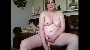 HUSBAND EXPOSES SLUT WIFES CHUBBY IN VIDEO OF HER NAKED GETTING OFF WITH DILDO P3