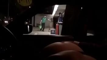 Kim Exhibicionista mostrando el culo a estraños en el auto México DF pornhub video