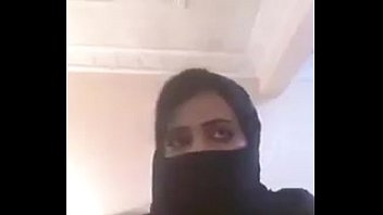 Arab Girl Showing Boobs on Webcam 29 sec