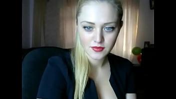 Russian girl chatting webcam - 100webcams.eu