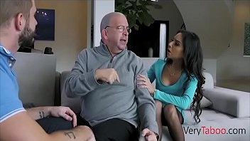 Auntie knows to handle NAUGHTY cocks! FAMILY