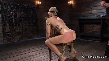 Brunette slave gets hose over face Vorschaubild