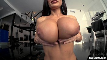 Lisa boyle fucking - Livegonzo lisa ann busty mature slut gets down and dirty