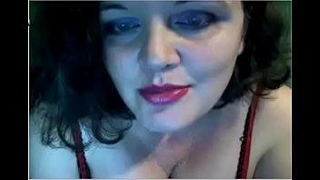 Busty MILF on CAM - LIVE NOW // webcamhooker.us