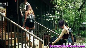 Teen girlnextdoor roughly drilled by ranger 9分钟