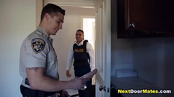 d. dealer gets fucked bareback by corrupt gay latino cop