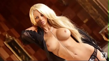 nicolette-shea-cybergirl-of-the-month-video5 3分钟