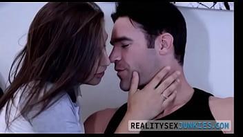 فيديو ساخن  تصحي من النوم ويمارسو الجنس  للتحميل والمشاهدة بالصوت اذهب لهذا الرابط http://gslink.co/bn6d صورة