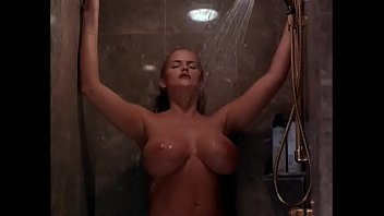 Anna nicloe smith naked Anna nicole smith exposed 1998 dvdrip