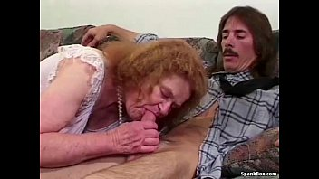 Granny loses her teeth while sucking Vorschaubild