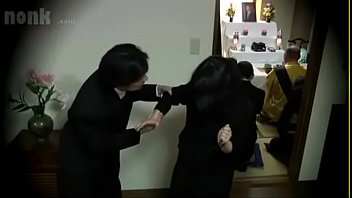 Japanese widow fucked during her husband's f. - Vendova thumbnail