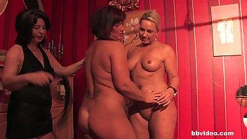 Bbvideo.com German lesbian MILFs having fun 6分钟