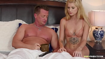Sexy stepdaughter Arya Fae jumps on Daddy's dong