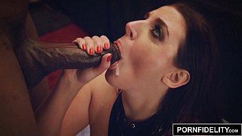 PORNFIDELITY Angela White Takes Two Big Dicks 15分钟