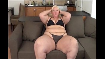 Kookiez fat ass - Big booty ssbbw white girl gets fat ass worked