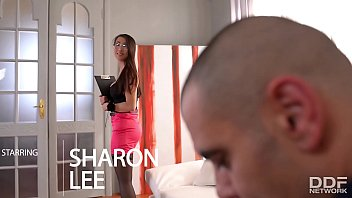 Asian Secretary Sharon Lee gets Double Penetrated in the Office 22分钟