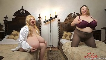 Streaming Video Busty twins masturbate together - XLXX.video