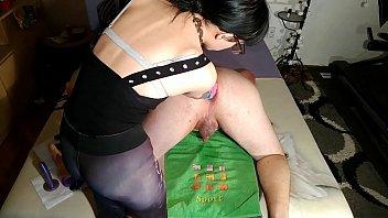 Beth Kinky - Sexy domina anal gape & double fistfuck slave pt2 HD
